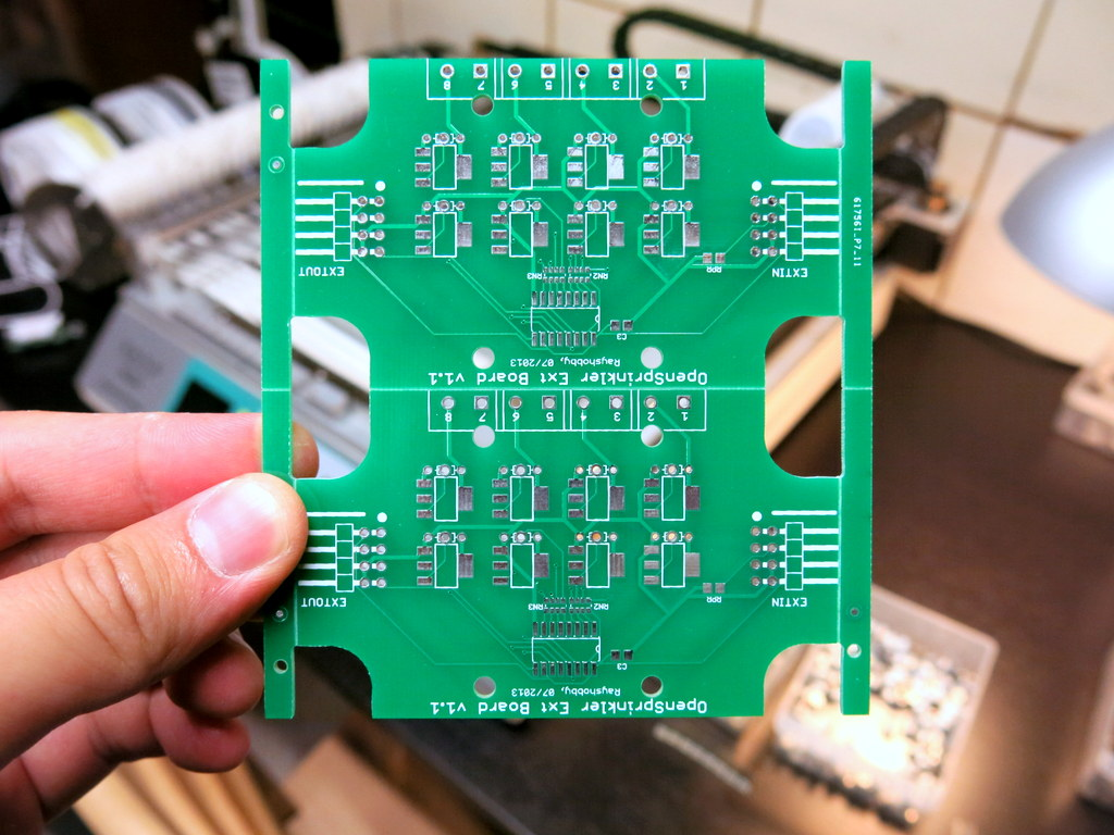 First Try on Panelized PCBs « RAYSHOBBY NET